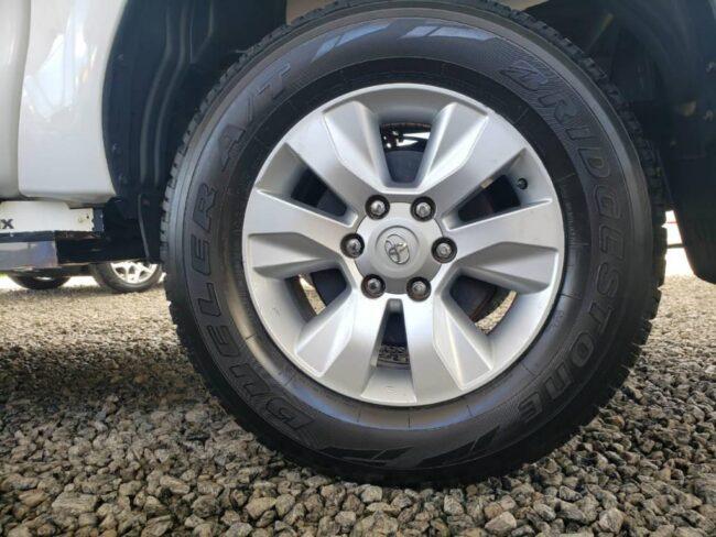 Toyota Hilux CD SR 4x4 2.8 TDI AT 2017